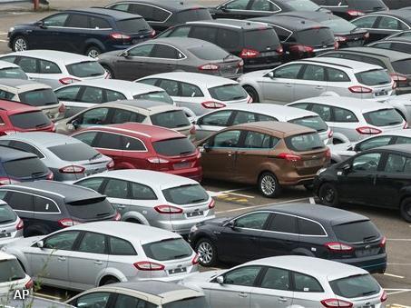 Nederlandse autoverkopen blijven achter (Foto: Novum)