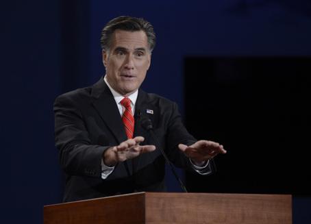 Mitt Romney laat desk zweven
