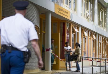 'Vrouw in basisschool liep in briefopener'