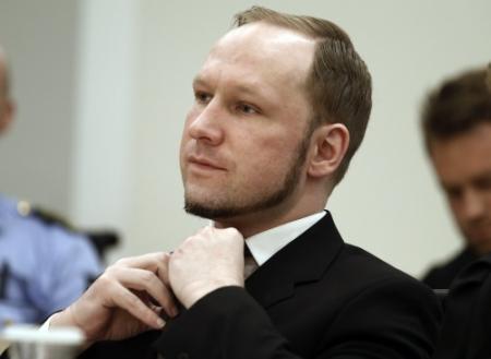 Veel tekeningen en kinderbrieven voor Breivik