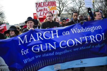 Duizenden demonstreren voor wapenwet VS