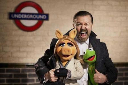 The Muppets Again: Gervais with Kermit & Miss Piggy