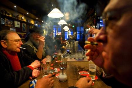 Kamer wil algeheel rookverbod in horeca