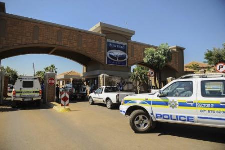 Pistorius officieel beschuldigd van moord