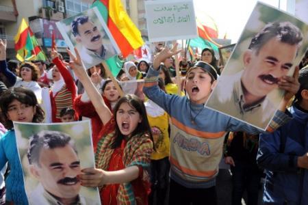 Zeker 10.000 Koerden betogen voorÖcalan