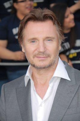 Liam Neeson verleent stem aan slecht wasbeertje (Foto: Novum)