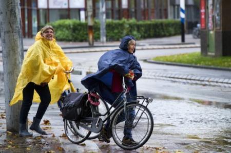 Onophoudelijke regen zorgt voor record