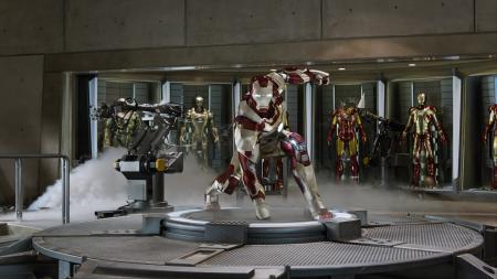 Iron Man 3: Iron Man  en Iron Legion