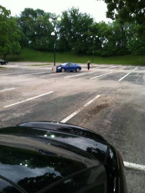 Dame aant parkeren