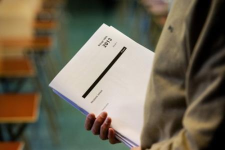 Twee mensen opgepakt voor stelen eindexamens