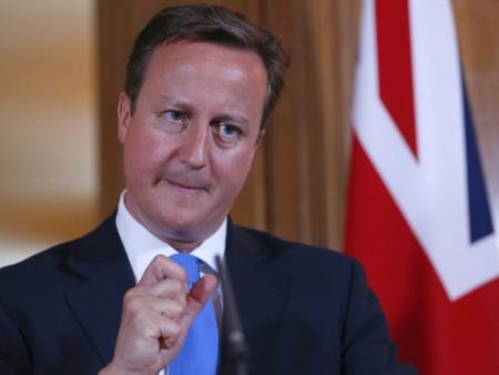 Cameron bindt strijd aan met internetporno