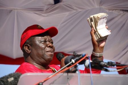 Seksschandalen achtervolgen rivaal Mugabe