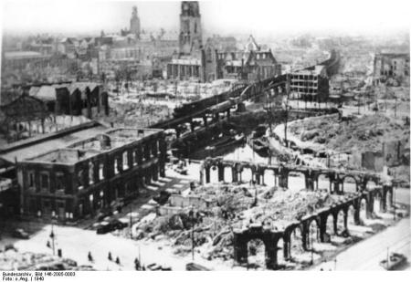 Rotterdam Blaak, 1940. Copyright Duits Bundesarchiv.
