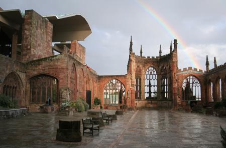 Kathedraal Coventry tegenwoordig. Foto gemaakt en vrijgegeven door Andrew Walker.