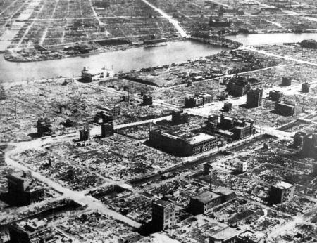Tokio na 10-3-'45
