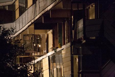 Schade aan galerijkant flat (Foto: Jeffrey van Binsbergen)