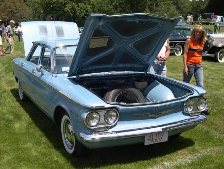 Chevrolet Corvair uit 1960. Copyright Wiki-user sfoskett