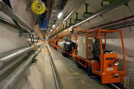De LHC-tunnel; copyright Wiki-user Juhanson