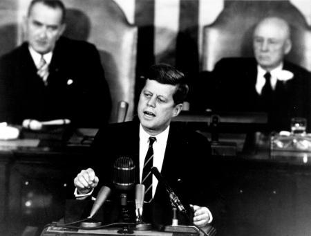 Kennedy kondigt maanprogramma aan