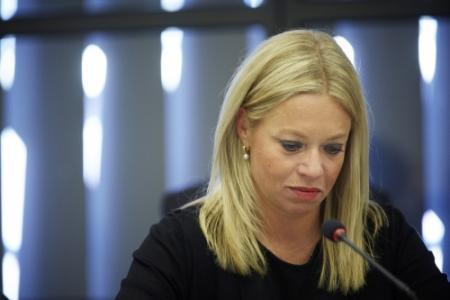 Defensiepersoneel: vertrouwen in minister weg