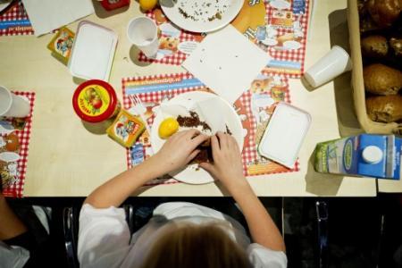 'Schoolontbijt promoot ongezond eten'