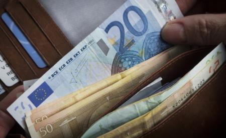Belgen krijgen bankbiljetten in de bus