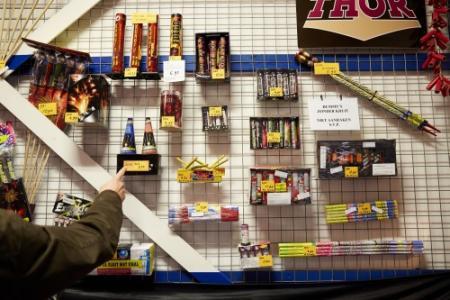 Vuurwerkverkopers tevreden over 1e verkoopdag
