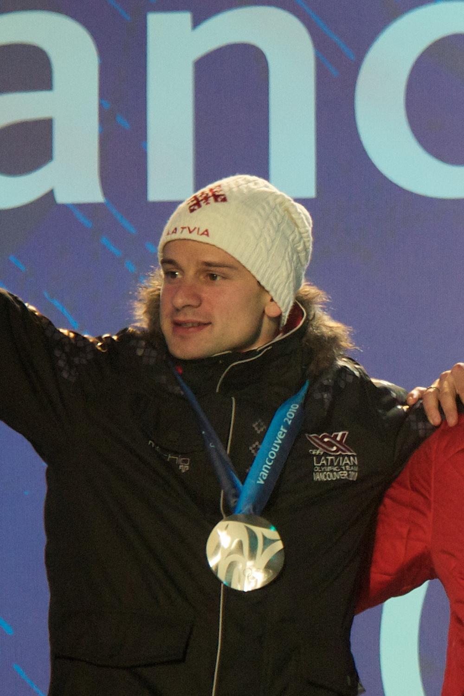 Martins Dukurs, in Vancouver 2010 goed voor zilver, daarna zou hij de sport domineren (Foto: WikiCommons)