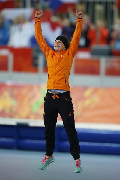 Ireen Wüst na haar overwinning op de 3000 meter (PRO SHOTS/Henk Jan Dijks)