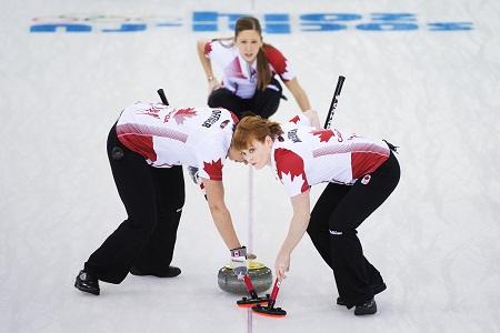 Topfavorieten Canada in actie tijdens het curlingtoernooi (PRO SHOTS/GEPA)