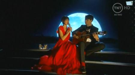 Karen O zingt The Moon Song