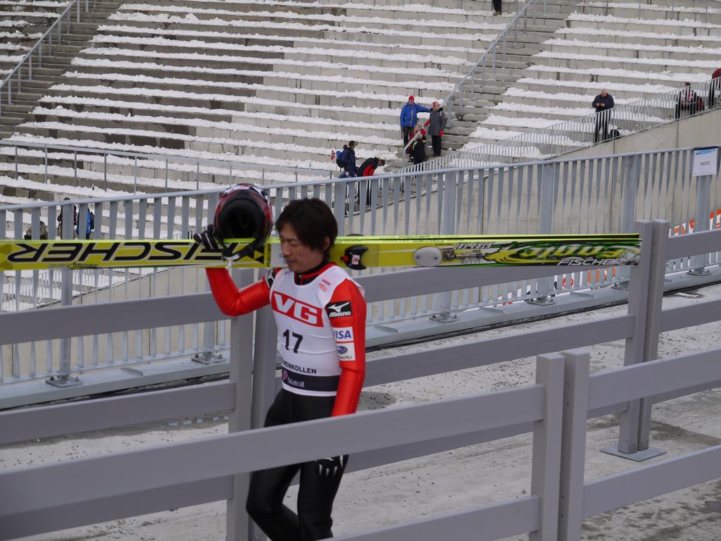 Okabe tijdens de World Cup in Oslo in 2010, de laatste keer dat hij op de beroemde Holmenkollen sprong (Foto: WikiCommons/Alexander Nilssen)