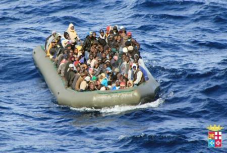 2100 vluchtelingen in 2 dagen uit zee geplukt