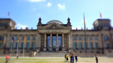 Reichstag anno 2012, destijds een ruïne in Oost-Berlijn