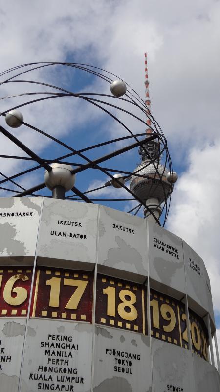 Alexanderplatz in Oost-Berlijn, de hoofdstad van de DDR