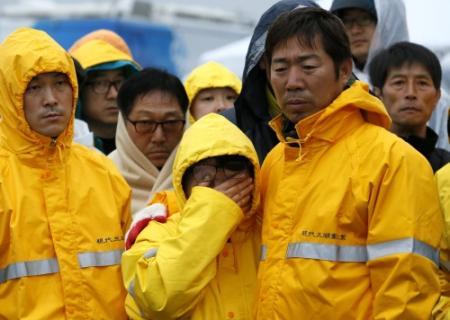 Politie jaagt op grappenmakers na scheepsramp