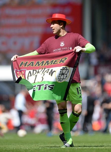 West Ham-keeper Adrián viert het lijfsbehoud (PRO SHOTS/Action Images)