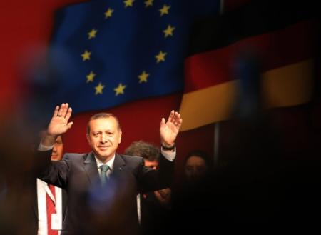 Erdogan: Turkse jeugd, blijf thuis