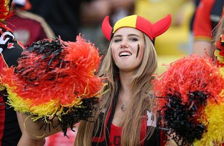 Despiegelaere op de tribune tijdens de wedstrijd België - Rusland (PRO SHOTS/Action Images)