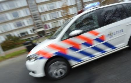 Vluchtende automobilist eindigt in sloot
