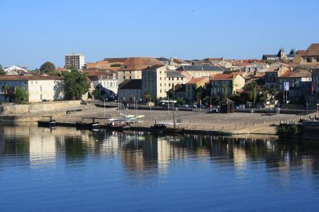 Uitzicht over Bergerac, de startplaats van vandaag (Foto: WikiCommons/Lionel Allorge)