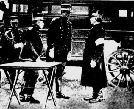 Koning Albert en een aantal Belgische officieren
