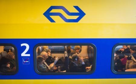 Man beroofd en mishandeld in trein