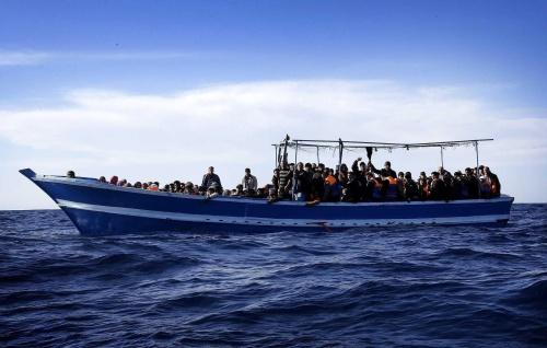 Somalische bevalt krap na redding door Duitse marine