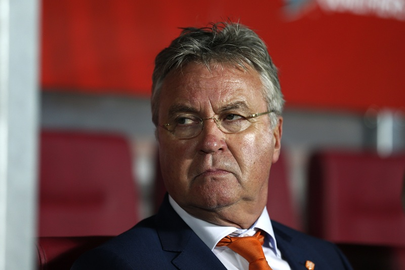 De bril van Hiddink (PRO SHOTS/Stanley Gontha)