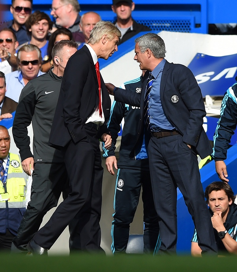 Arsenal-manager Arsène Wenger en Chelsea-manager José Mourinho hebben een aanvaring, wat zeggen beide heren hier tegen elkaar? (PRO SHOTS/Action Images)