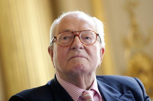 Le Pen wil guillotine voor Franse jihadist