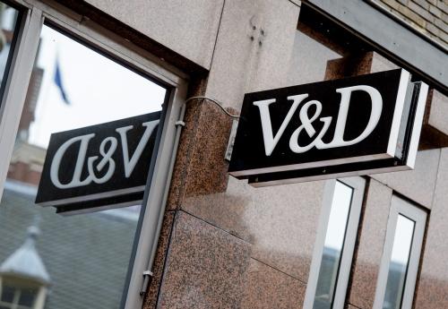 V&D trakteert klanten op taart