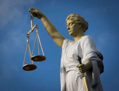 Rechter weigert vonnis wegens hoofddoek