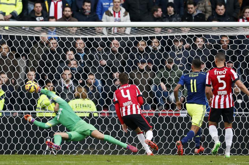Ajax-speler Kishna brak de ban in Eindhoven (Pro Shots/Ed van de Pol)